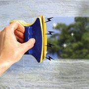 Магнитная щетка для мытья окон с двух сторон!
